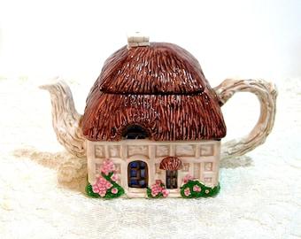 Cottage Teapot, Thatched Cottage Teapot