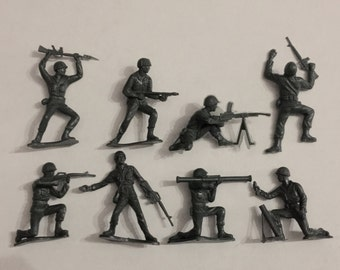 1960 US INFANTRY Army Men Set of 8 by Louis Greenberg