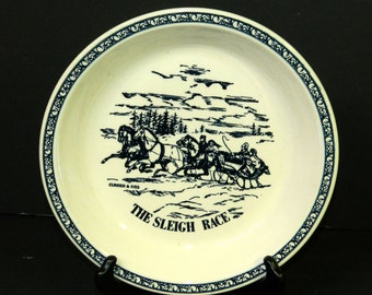 Currier and Ives VINTAGE PIE PLATE for Baking and Decorative Use Made in U.S.A. Blue and White CrabbyCats, Ceramic Pie Pan Crabby Cats