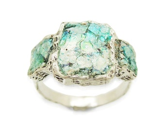 3 Square silver ring with ancient roman glass