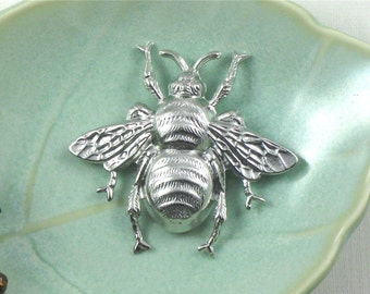 large silver BEE jewelry embellishment . 39mm x 42mm (FF42b)