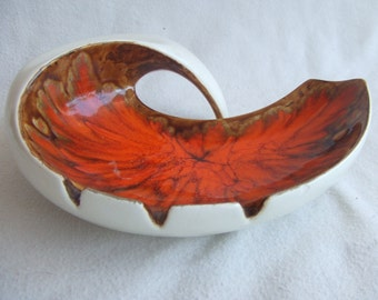 Funky Retro Mid Century Art Pottery Glazed Ashtray