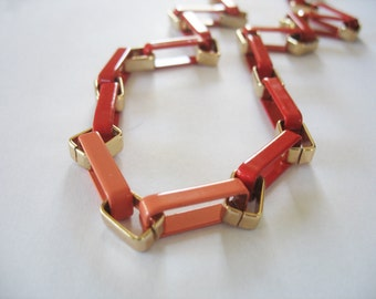 Ombre Link Necklace Enamel Red to Peach Goldtone Slip On 1970s Thick Chain