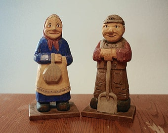 Vintage Woodcarvings, Folk Art Carvings, Grandma and Grandpa, Happy Man and Woman, Country Folk, Primitive Decor, Growing Old
