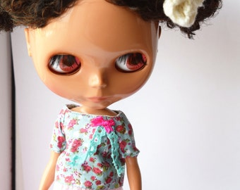 Beautiful turquoise mini floral blouse/top/shirt for Blythe doll