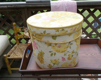 Gorgeous antique large hand blocked textured pretty florals hat box with rope handles~ so pretty display