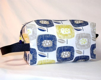 Block Blooms in Blue Project Bag