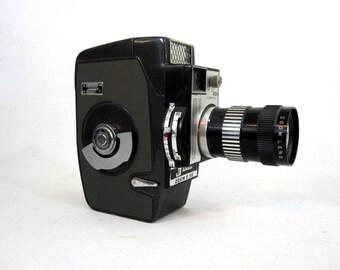 Vintage Jelco Zoom 8 SE 8mm Movie Camera. Circa 1960's.