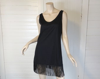 Fringe Mini Dress in Black- 1980s / 80s does 20s Flapper Style Dress- Small- Cabaret / Burlesque