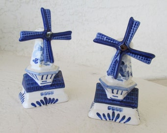Reduced - Delft Blue Holland Windmill Salt & Pepper Shakers     DB-1