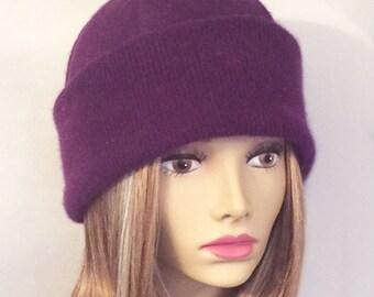 Lou, 100% pure cashmere hat, cloche in color Purple