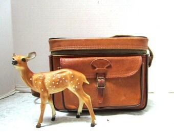 Vintage Leather Perrin Camera Bag ~1940s, The Sportsman, Distressed, Structured, Shoulder Bag, Metal  Buckles Zipper, Boho Electronics Bag