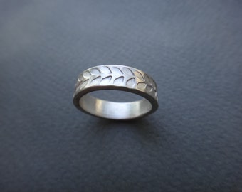 Botanical Leaves wreath Wedding Band in Sterling Silver
