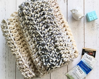 Neutral Chunky Knit Scarf,  Chunky Crocheted Infinity Scarf, Women's knitted scarf, Chunky cowl, Fashion accessories