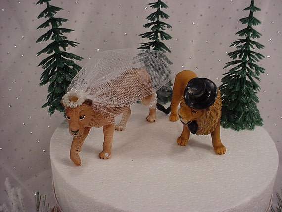 Lion wedding cake topper lioness bride and lion groom jungle for Lioness and lioness wedding dresses