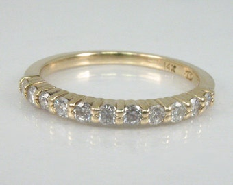 Vintage Diamond Wedding Band - 0.25 Carats Diamond Total Weight - 14K Yellow Gold