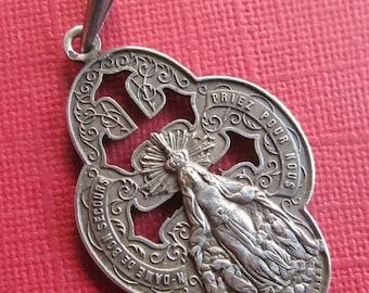 Virgin  Mary Antique Silver Notre Dame De Bon Secours Religious Medal Signed Daubree  SS288
