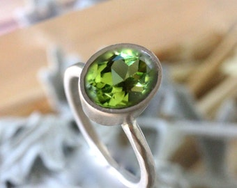 Peridot 14K Gold Engagement Ring, Gemstone Ring, Stacking Ring, Recycled Gold Ring, Eco Friendly Ring, Palladium White Gold  - Made to Order