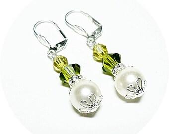 Lime Green Bridesmaid Earrings, Clover Earrings, Spring Wedding, Summer Wedding, Bridesmaid Accessories, Green Earrings, Lime Green Jewelry