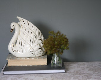 Vintage Ceramic Swan Table/TV Lamp - Gold Accents
