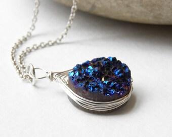 Druzy Quartz Necklace- Round Druzy Necklace- Crystal Druzy Jewelry- Blue Druzy- Geode Necklace- Luna Jewelry