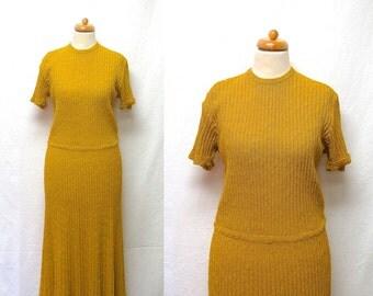 1950s Vintage Knit Jersey Dress / Goldenrod Short Sleeve Ribbed Knit Dress