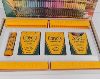 Crayola Crayon Stands Vintage 1977 Color Drawing Set Sharpener