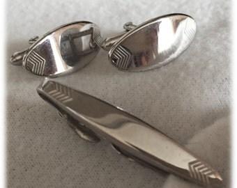 Swank Men's Mid-Century Retro Cufflinks Cuff Links Tie Clasp Silvertone Chevron