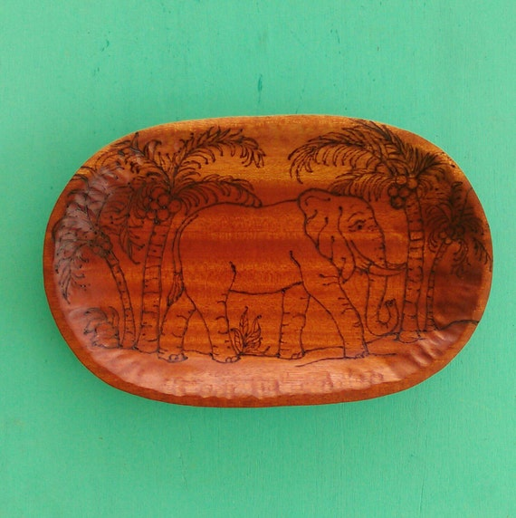 Mahogany Wood Color Variations ~ Elephant bowl hand carved in african mahogany wood
