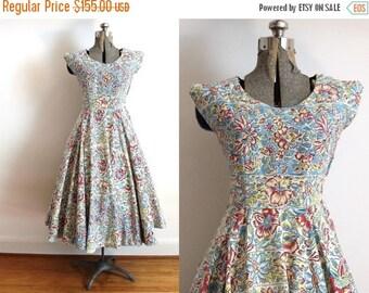 ON SALE 1950s Dress / 50s Full Circle Skirt Hawaiian Tropical Floral Print Cotton Dress