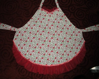 apron with tulle ruffle trim