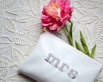 Mrs Bride Clutch,Bridal Clutch Purse,Bride to Be Gift,Bridal Shower Gift,Future Mrs Gift,Engagement Gift,Wedding Gift,Monogram Pouch White
