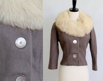 Vintage 1950s Jacket with Fur Collar Coat 50s Jacket Structured Coat 1950s Winter Clothing Cropped Fur Jacket Fox Fur Womens Size Medium
