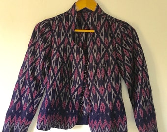 vintage.  70s Handmade IKAT Batik Jacket Top • Cotton Ethnic Jacket • Purple Blue Top