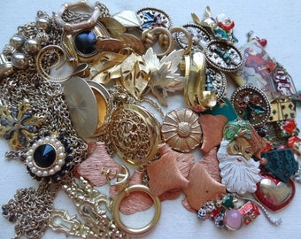 Vintage Jewelry Destash. Christmas In Summer. Rhinestones. Lockets. LBS jewelry Lot23