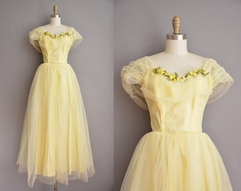 50s yellow tulle floral vintage prom dress / vintage 1950s prom dress