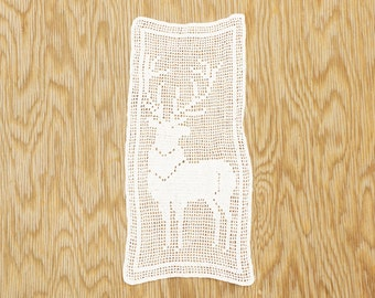 Vintage 70s Filet Crochet Lace Deer Doily/Victorian/ Shabby Chic /Woodland/Farmhouse/Bohemian Chic/Wall Hanging