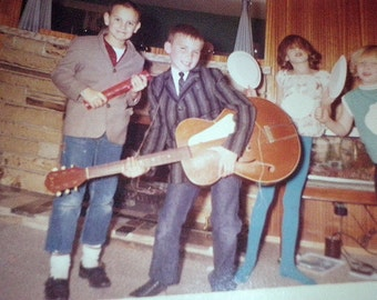 "VERNACULAR Vintage SNAPSHOT: ""the Beatles"" 60s cool kids w/ Guitar"