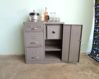 INDUSTRIAL Gray Metal Filing/Storage Cabinet (Los Angeles)