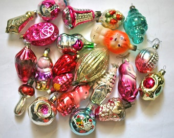 Vintage Christmas Decorations Glass Baubles Ornaments set of 20 Set 4 1970s from Russia Soviet Union USSR