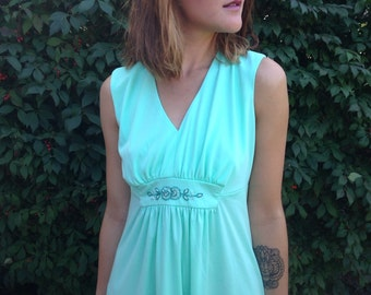 vintage plus size dress/ 70s  /seafoam green /plus figure /retro mint green /1970s