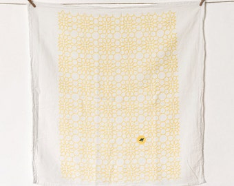 Honeycomb Flowers Kitchen Towel : Yellow Flour Sack Tea Towel