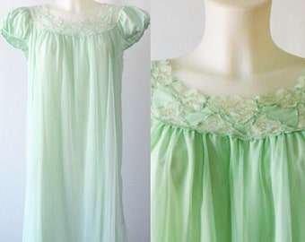 Vintage Silfra Pale Green Chiffon Nightgown, Chiffon Nightgown, Vintage Mint Nightgown, 1960s Chiffon Nightgown,  1960s Lingerie, Silfra