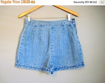 20% Off FALL SALE High Waisted Jean Shorts Vintage Flat Front Denim Small