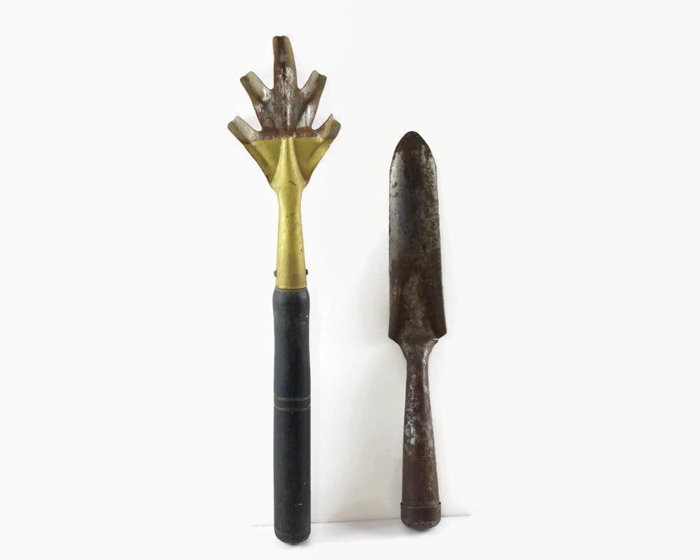 Vintage garden hand tools hand cultivator garden claw for Gardening tools vintage