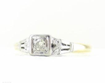 Vintage Diamond Engagement Ring, Single Stone Diamond Ring with Engraved Setting in 18 Carat Gold & Platinum, Circa 1940s.