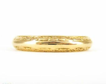 22 Carat Gold Engraved Wedding Ring, D Profile Ladies Wedding Band with Engraved Sides. Size M / 6.25, Circa 1970s.