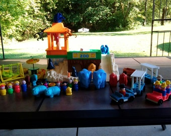 Fisher Price Play Family Number 916 Zoo, Lovingly Restored, 100 % Complete, Ready to Play With