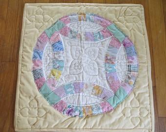 Hand Sewn Double Wedding Ring Wall Quilt-Pastels-Reproduction Feedsacks-Miniature Quilt