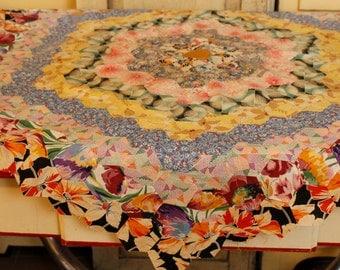 Antique Quilt Piece, Grandmother's Flower Garden Quilt Block, 1930's Pieced Quilt Top Piece, Vintage Textiles Vintage Quilt, 1930's Textile